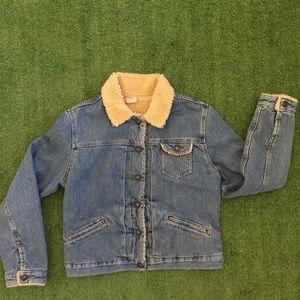 Vintage Look Levi's sherpa denim jacket